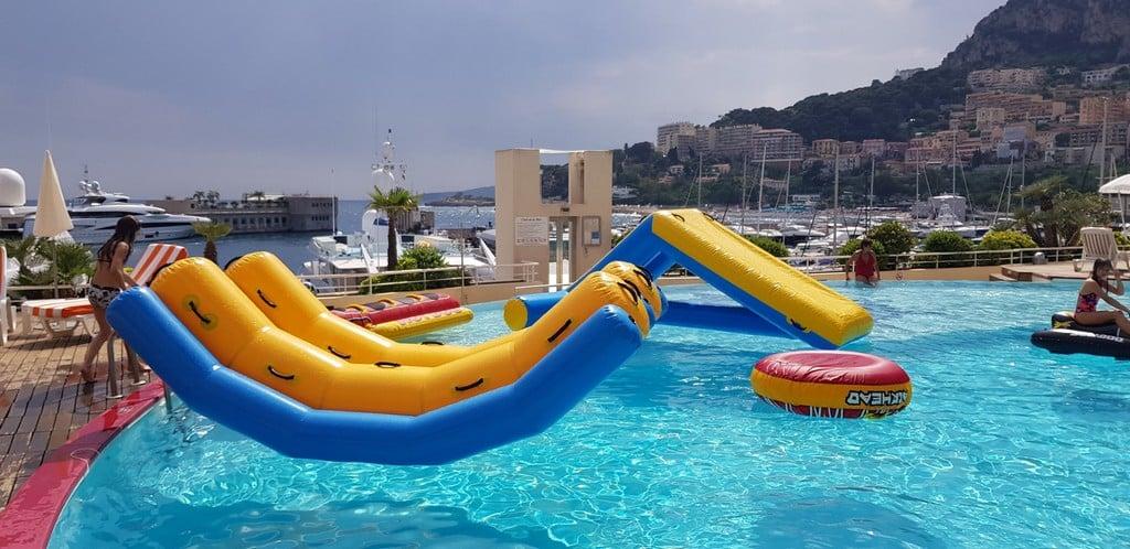 Location de jeux aquatiques pour les fêtes autour de l'eau !